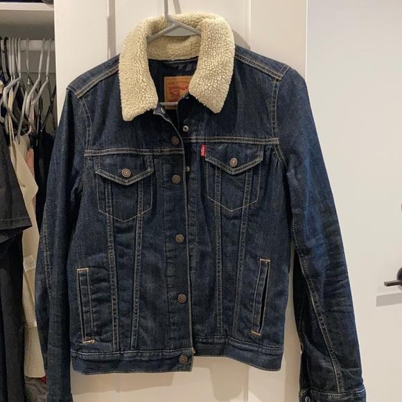 Levi's women denim jacket with shearling collar